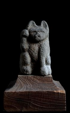 Stone maneki neko (beckoning, or welcoming, cat). Edo Period, ca. 1800. Antique Stones Japan