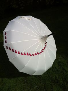 Edwardian Style Umbrella with Hot Pink Butterfly Swirl Lace Umbrella, Umbrella Girl, Folding Umbrella, Under My Umbrella, Cute Umbrellas, Colorful Umbrellas, Umbrellas Parasols, Edwardian Fashion, Edwardian Style