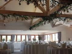 Folliage added to the white-washed beams in the Inglesmaldie Suite creates a romantic feel, blending the rustic outdoors with inside.