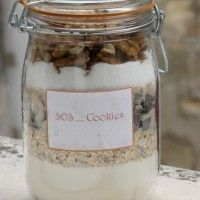 SOS Cookies, to open in an emergency! Cookies for gourmet gift Kit Cookies, Cookies Et Biscuits, Caramel Shortbread, Shortbread Bars, Jar Gifts, Food Gifts, Chefs, Meals In A Jar, Cookies Ingredients