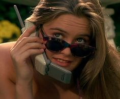 Flip Phone Dual Sim Unlocked Android Flip Phone For Sprint Carrier Clueless Aesthetic, 90s Aesthetic, Bad Girl Aesthetic, Aesthetic Vintage, Aesthetic Movies, Cher Horowitz, Cher Clueless, Clueless Costume, Provocateur