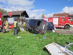 Verkehrsunfall St. Georgen im Attergau #car #crash #cars #firemen #firefighter #feuerwehr #auto #feuerwehrauto #firetruck #audi #unfall #strasse #street #green #red
