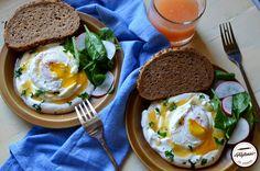 Oua posate turcesti cu iaurt-Cilbir Eggs Turkish cutlery with yoghurt-Cilbir Cutlery, Kitchenware, Eggs, Breakfast, Salads, Morning Coffee, Egg, Flatware, Morning Breakfast