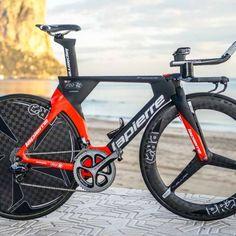 Thibaut Pinot s new Lapierre Aerostorm DRS time trial bike. The new Lapierre  Aerostorm DRS TT bike 6fc23af050f8