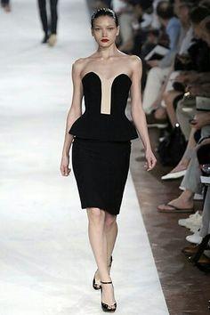 300d169e6f1c 53 fantastiche immagini su Fashion   Made in Italy