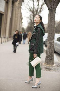 Caroline Issa, military coat, white clutch, green trousers, checked heels / Garance Doré