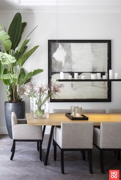 The post Project Amsterdam Oud-Zuid appeared first on HOOG.design - Exclusive living inspiration in the United Kingdom. Cosy Dining Room, Dinning Table, Dining Rooms, Dining Room Inspiration, Interior Inspiration, Luxury Interior, Interior Architecture, Interiores Design, Interior Design Living Room