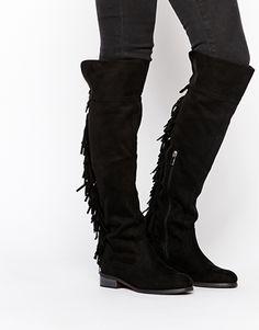 Glamorous - Stivali piatti al ginocchio con frange