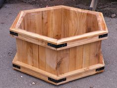 oak hexagonal planter by Jakebuilt
