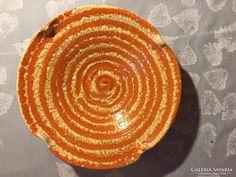 Kerámia falitál Gorka jelzéssel, ceramic bowl to the wall NHC Ceramic Bowls, Pottery Art, Hungary, Ceramics, Wall, Artwork, Design, Home Decor, Ceramica