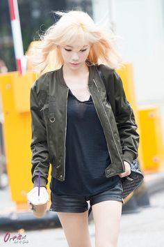 SNSD ❤️ TIME !! @Orrism 150911 Taeyeon ❤️ http://i.minus.com/io86sacilpISy.jpg …