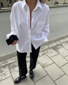 Mode Outfits, Fashion Outfits, Womens Fashion, Skandinavian Fashion, Summer Outfits, Casual Outfits, White Shirt Outfits, Just Style, Elegant Outfit