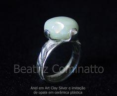 Anel em Art Clay Silver com pedra imitação de opala em cerâmica plástica by Beatriz Cominatto, via Flickr