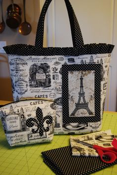 Ooh, la-la!!! Handbag and make-up bag Diy Handbag, Recycle Jeans, Patchwork Bags, Fabric Bags, Tote Purse, Beautiful Bags, Zipper Pouch, Purses And Bags, Sewing Projects