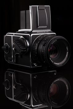 Hasselblad 501CM & Carl Zeiss 80mm f/2.8 T* by tyler hayward, via Flickr
