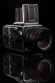 Hasselblad 501CM & Carl Zeiss 80mm f/2.8 T* by tyler hayward, via Flickr