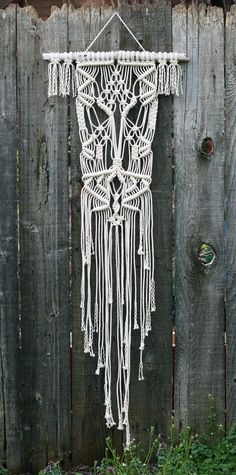 Macramé Wall Hanging on Drift Wood by FreeCreatures on Etsy https://www.etsy.com/listing/224593988/macrame-wall-hanging-on-drift-wood