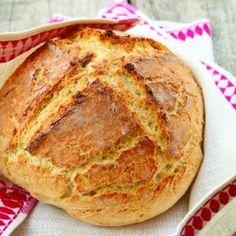 Amazingly Easy Irish Soda Bread Recipe: use WW flour and increase baking time to 65 min Baking Soda Bread Recipe, Irish Soda Bread Recipe, Bread Baking, Irish Bread, Soda Recipe, Bread Machine Recipes, Bread Recipes, Baking Recipes, Hungarian Recipes