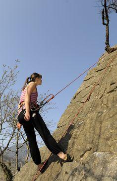 Anne Rey-Mermet faisant de l'escalade à Saint-Triphon Escalade, Saint, Grand Canyon, Nature, Travel, Naturaleza, Viajes, Grand Canyon National Park, Trips
