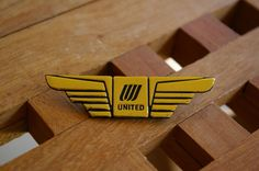 United Airlines Plastic Wings Lapel Pin Pinback Gold Tone Color Pilot Stewardess  | eBay