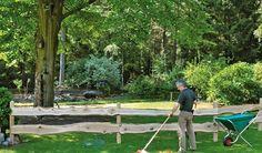 Der Rancherzaun ist aus robuster Eiche. Mit dem Holzzaun können sie unkompliziert ihr Grundstück begrenzen.Die Zaunbretter haben eine Länge von ca. 240 cm. Diese und weitere Holzzäune finden Sie unter http://www.meingartenversand.de/gartenzaun/holz-gartenzaeune.html