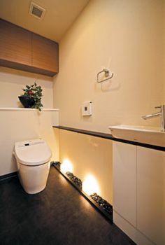 照明が素敵なトイレ