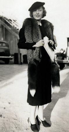 Vintage Fur / Fashion    I love fox tails!