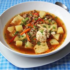 Simple and delicious Chilean ajiaco, a perfect soup. Healthy Eating Tips, Healthy Nutrition, Chilean Recipes, Chilean Food, Quinoa Salat, Organic Meat, Vegetable Drinks, Chili, Vegan