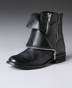 Short boots! Interesting details