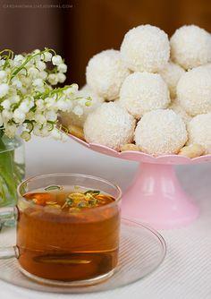 Кулинарный журнал - Кокосовые конфеты с миндалем