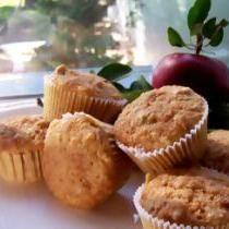 A Hearty Recipe for Gluten-Free Apple Oat Muffins