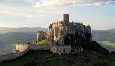 slovenské hrady a zámky - Hľadať Googlom Ancient Architecture, Krakow, Budapest, Monument Valley, Mount Rushmore, Mountains, History, Travel, Image