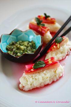Süßes Sushi mit Kokos und Rhabarber