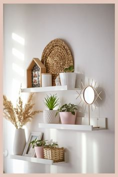 Creative wall decor ideas with unusual things, along with guidelines for selection & placement of wall art. #homedecorideas, #diydecor, #diywalldecor Room Decor Bedroom, Living Room Decor, Diy Bedroom, Living Room Shelves, Shelves In Bedroom, Style Salon, Makeup Room Decor, Diy Wall Decor, Wall Shelf Decor