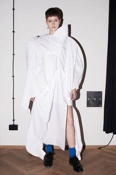 Małgorzata Nowakowska | 2015 #fashion #experimental #shirt #fashiondesign #fashiondesignschool #aspwarszawa #academyoffinearts #katedramody #fashiondepartment #fashiondesign #warsaw