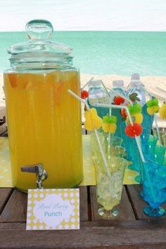 Pool party drinks - Find Pool Party Ideas at www. Pool Party Drinks, Luau Party, Beach Party, Poll Party, Summer Parties, Pool Parties, Pool Party Invitations, Fancy Drinks, My Pool