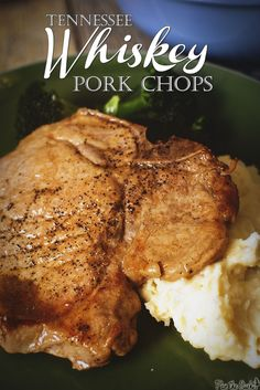 grilled pork chops The classic pork chop is an easy healthy weeknight save, and these one-pan Tennessee Whiskey Pork Chops are sure to bring everyone running to the table. Great Recipes, Dinner Recipes, Favorite Recipes, Recetas Puertorriqueñas, Tennessee Whiskey, Chops Recipe, Pork Chop Recipes, Pork Dishes, Savoury Dishes
