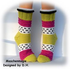 Crochet Socks, Knitting Socks, Lots Of Socks, Craft Projects, Projects To Try, Sock Toys, Patterned Socks, Knitwear, Diy And Crafts