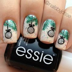 christmas tree ornament mani