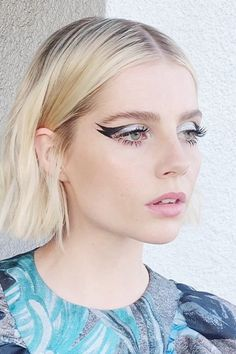 """Lucy Boynton's """"Galactic Kitty"""" Winged Liner Is as Out of This World as It Sound. - Lucy Boynton's """"Galactic Kitty"""" Winged Liner Is as Out of This World as It Sounds – Beauty - Oil Free Eyeliner, Dramatic Eyeliner, Eyeliner For Hooded Eyes, Simple Eyeliner, Eyeliner Styles, Eyeliner Looks, Eye Brows, 60s Makeup, Winged Liner"""