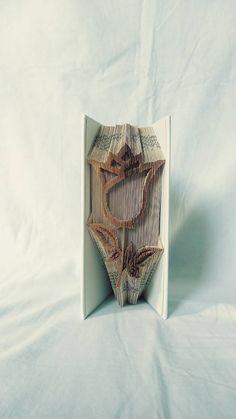 papierikovo / Tulipán vyskladaný z knihy Book Folding, Book Art, Bronze, Books, Libros, Book, Book Illustrations, Libri