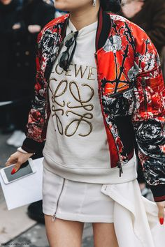 PFW-Paris_Fashion_Week_Fall_2016-Street_Style-Collage_Vintage-Loewe_Sweatshirt-Bomber_Jacket-