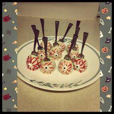 Eyeball cakepops!
