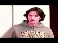 Jared Padalecki auditioning for his role as Sam Winchester -- Ahh this makes me happy! He's so good, so professional. I would be too terrified to throw my script, just in case I forgot something! Jensen Ackles, Jared And Jensen, Supernatural Youtube, Jared Supernatural, Jared Padalecki, Misha Collins, Bobby Singer, Sam Dean, Winchester Boys