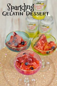 Everything is better with bubbles, including dessert! Create this fun sparkling gelatin dessert featuring Canada Dry Sparkling Seltzer Water! #SimplySparkling [ad]
