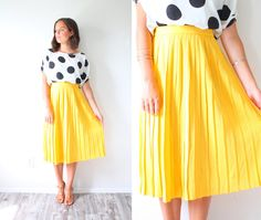 This is a great high waisted skirt. It is in great vintage condition. The material is a thick and a heavier material. Such a classic… Yellow Pleated Skirt, Proper Attire, Christian Women, S Girls, Vintage Skirt, All Fashion, Women Wear, Boho, Lady