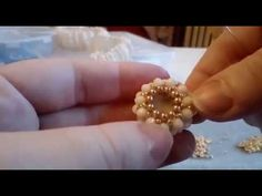 TUTORIAL Incastonatura con cipollotti videos SUPERCROSS module tutorial: cross with superduo seed Super Duo, Beaded Jewelry Patterns, Beading Patterns, Crochet Necklace Pattern, Crochet Rings, Armband Diy, Diy Schmuck, Beaded Rings, Beading Tutorials