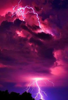 Find images and videos about sky, wallpaper and purple on We Heart It - the app to get lost in what you love. Lightning Photography, Storm Photography, Nature Photography, Photography Tips, Tattoo Photography, Portrait Photography, Wedding Photography, Aesthetic Pastel Wallpaper, Aesthetic Backgrounds