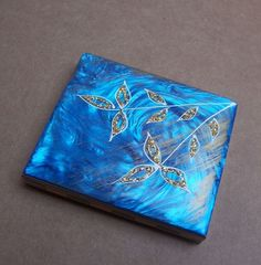 Vintage Powder Compact Hollywood Regency Blue Mother of Pearl Effect 1960s