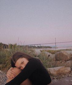 ❣︎「♡ k i m ♡✌︎」❣︎ – girl photoshoot poses Picture Poses, Photo Poses, Cute Photos, Pretty Pictures, Photographie Portrait Inspiration, Foto Fashion, Insta Photo Ideas, Instagram Photo Ideas, Insta Ideas